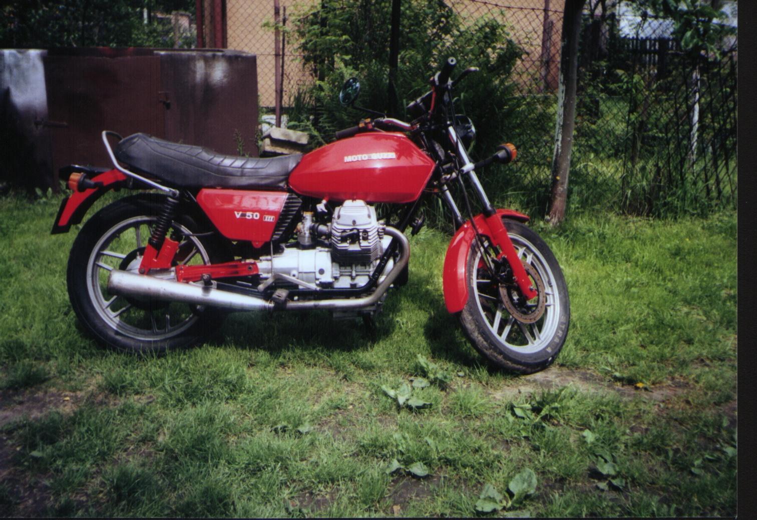 Moto Guzzi V50 - 01